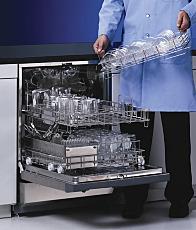 Undercounter SteamScrubber Labware Washer