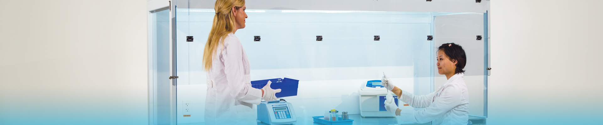 Laminar Flow Hoods & Clean Benches