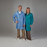 Cleanroom and Laboratory Coats by Uniform Technology