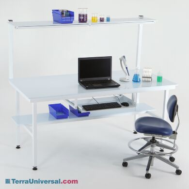 Customize your cleanroom workstation with tray and shelf systems to add clean, convenient storage where you need it. | 1522-02 displayed