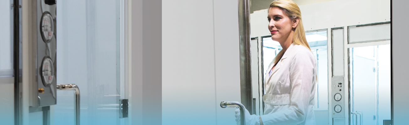 Compare Cleanroom Door Features: Swing, Sliding, Automatic, Double Doors