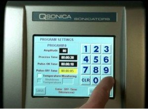 Q700 Sonicator touchscreen interface