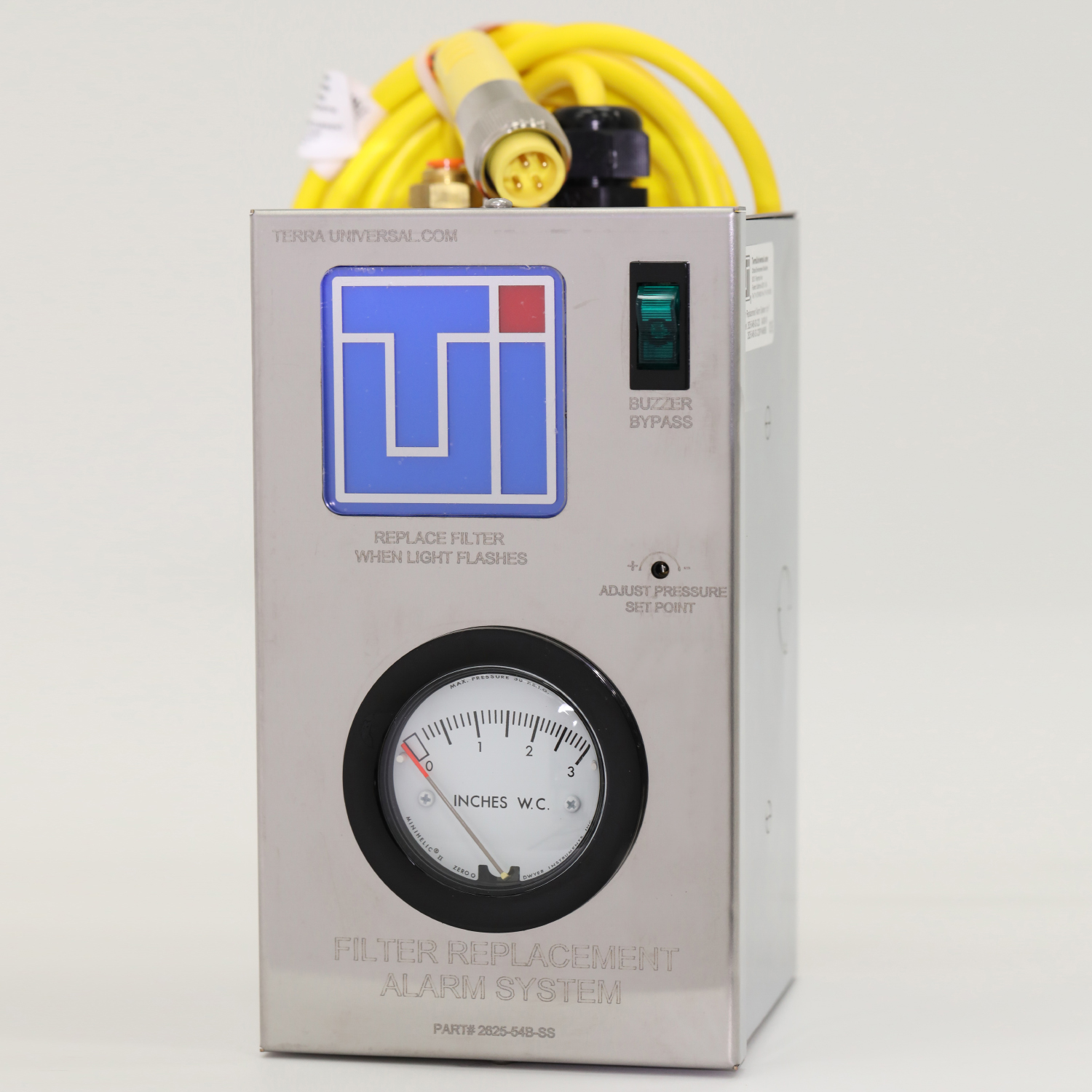 Filter replacement alarm system with minihelic gauge and yellow power cable