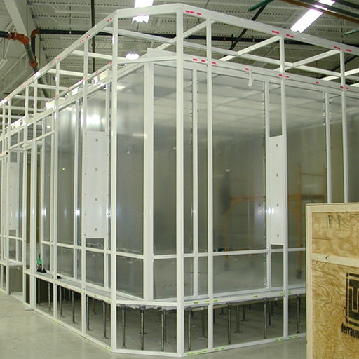 Free-Standing modular cleanroom with raised flooring