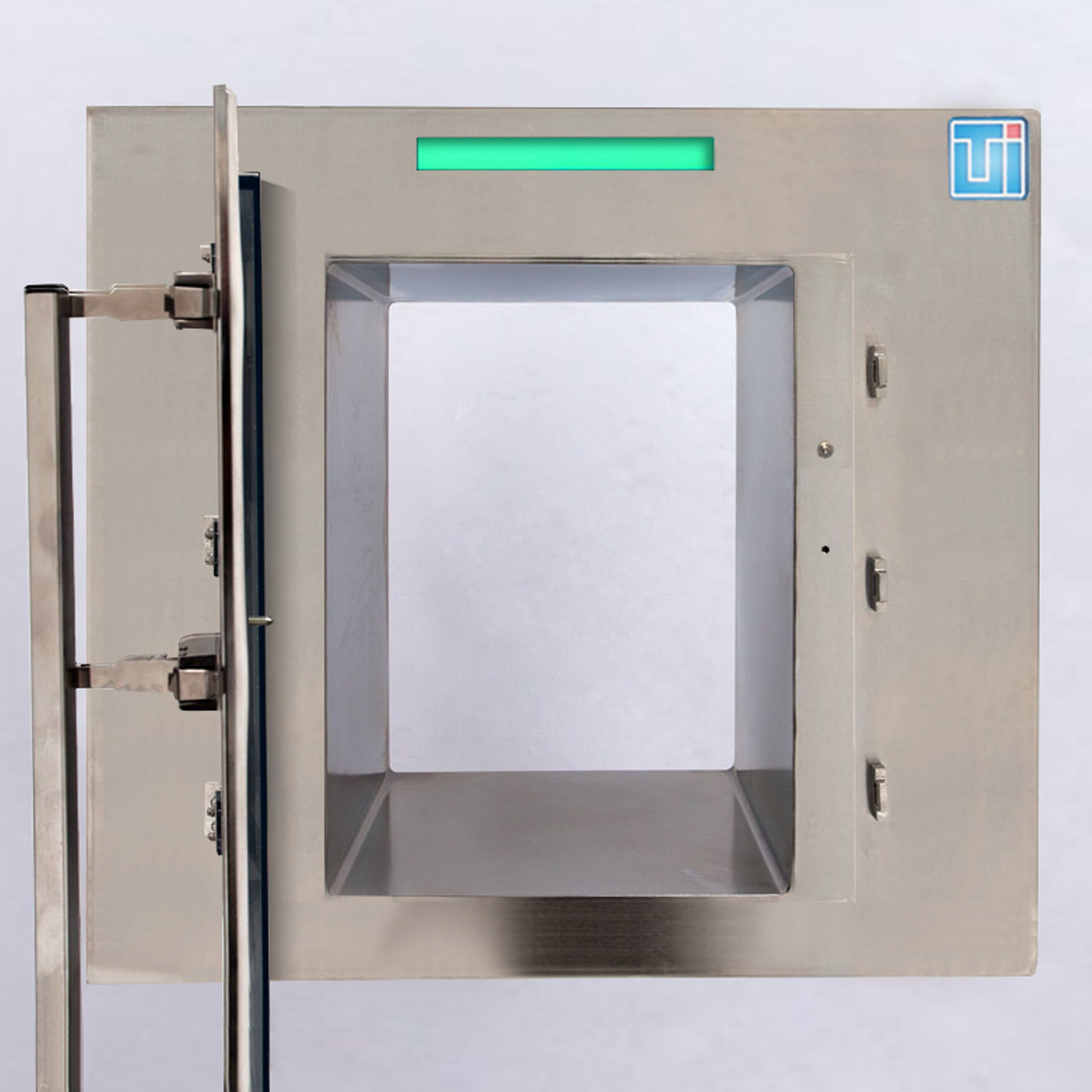 Smart™ CleanMount® Pass-Through Chambers