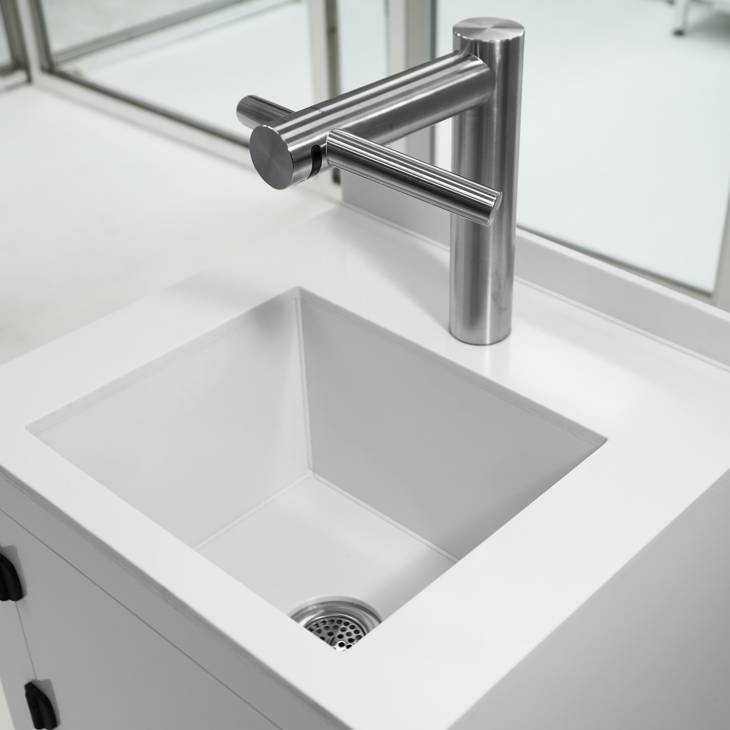 Hands-Free Sink and Hand Dryer Polypropylene