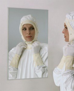cleanroom_gowning_mirror_frameless_110329-0035_gal